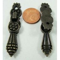 Poignée 52x11mm pendante métal couleur bronze par 1 pc