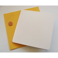 Carte pliée 132x132mm avec enveloppe jaune par 1 pc