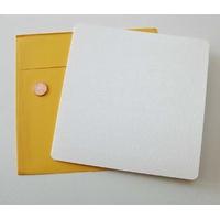 Carte pliée 160x160mm avec enveloppe jaune par 2 pcs