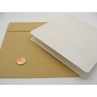 Carte pliée 132x132mm avec enveloppe beige par 1 pc