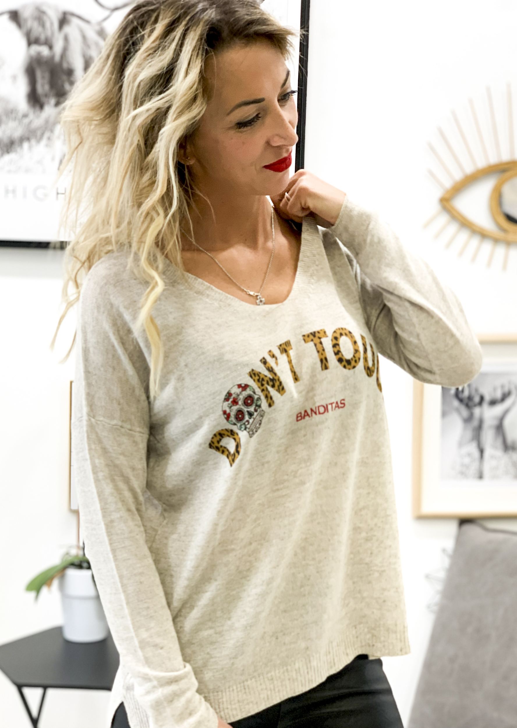 Pull DON\'T TOUCH beige