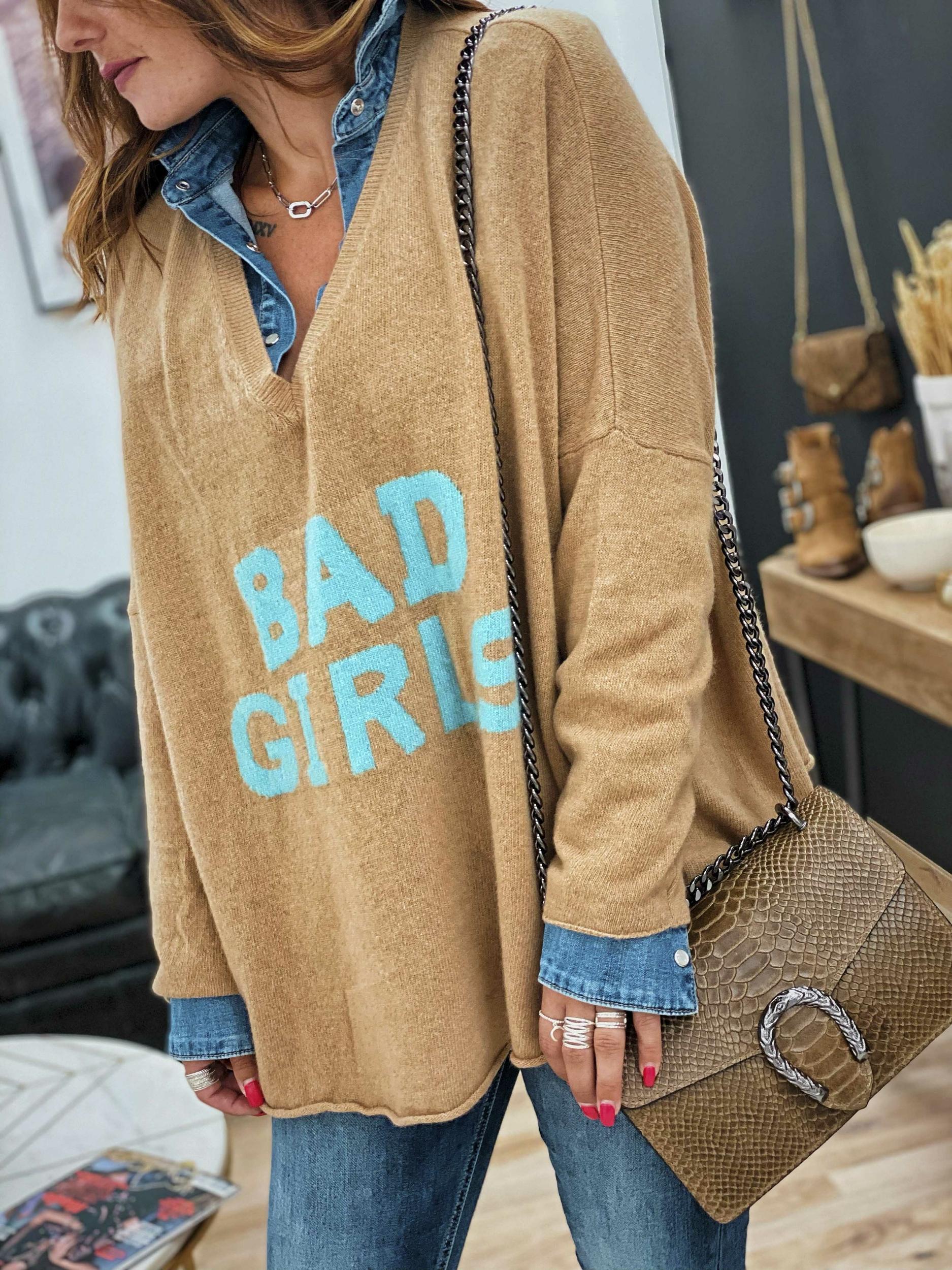 pull_bad_girl_camel_bleu_banditas-4