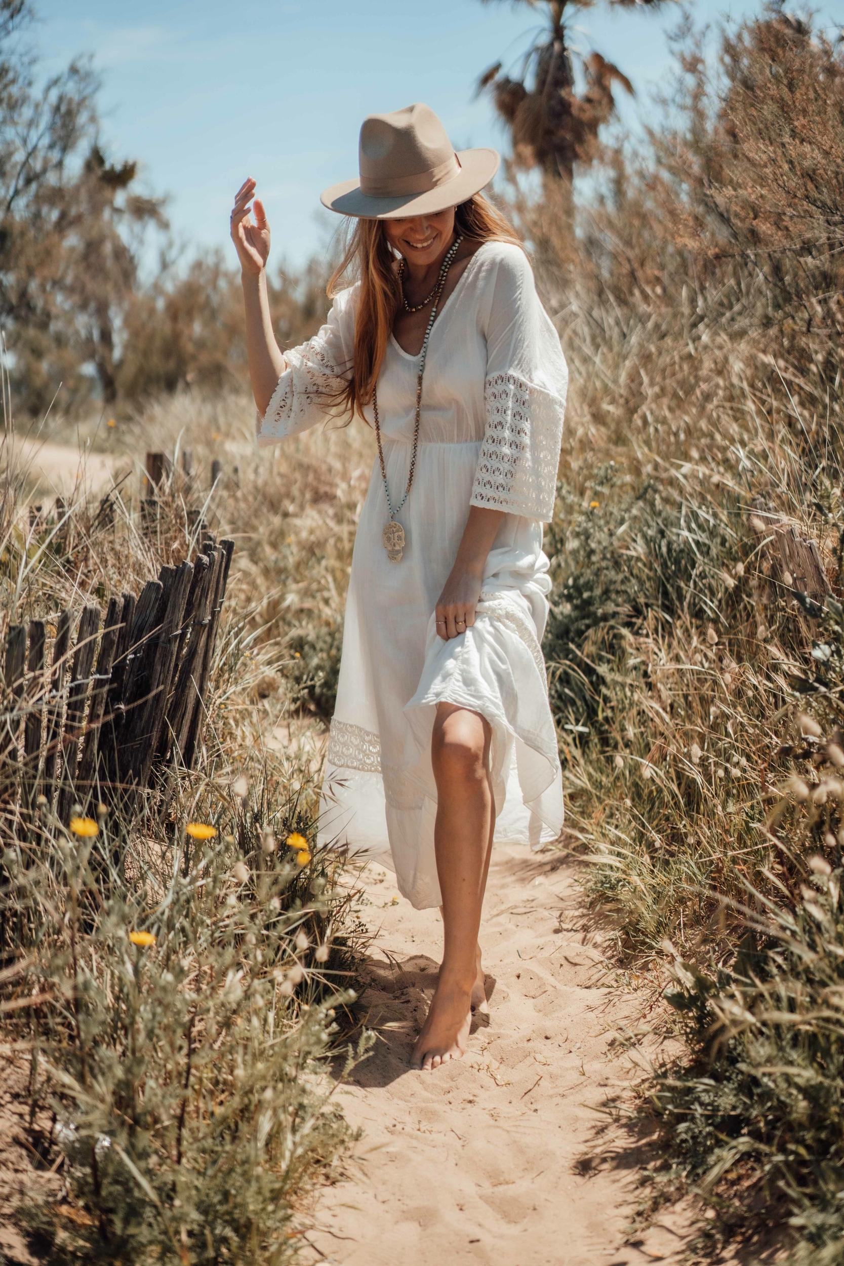 robe_madone_longue_blanche-12