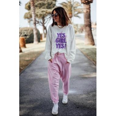 tee_yesgirl_ecru_violet-2