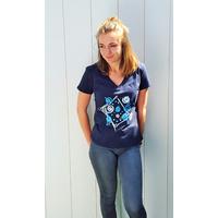 Tee-shirt PIXIT - Design carré- Bleu Navy - Col V - Coupe Cintrée - Près du corps