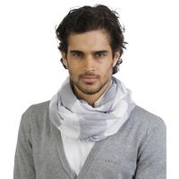 Chèche Gris/blanc -100% Coton. Voile de coton très léger avec larges rayures bicolores de 8cm. Finition bord roulotté.200x70cm