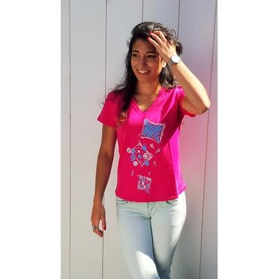 Tee-shirt PIXIT - Ligne géométrique - Fushia - Col V - Coupe Cintrée - Près du corps