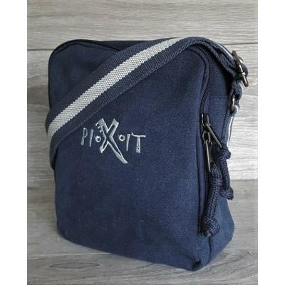 Mini Sacoche Bleue/Navy  en toile Vintage -100% coton lavé canvas-Compartiment principal avec fermeture zippée -Sangle en toile bicolore-Bandoulière ajustable -Dimensions: 18,5 x 22,5 x 8 cm -Volume: 3,5 litres