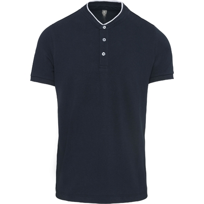 Polo Bleu Navy col mao manches courtes homme-100% coton-Maille piqué en coton peigné-Col style mao en bord-côte avec liseré contrasté. Patte de boutonnage 3 boutons contrastés