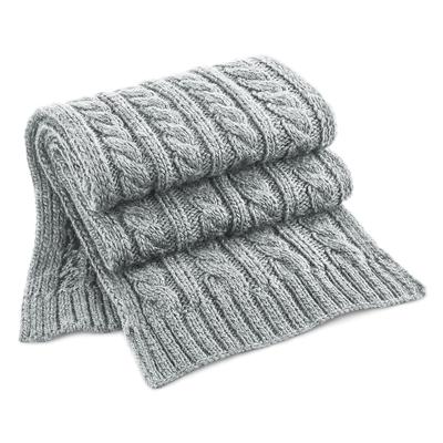 Écharpe Gris clair - 100% acrylique Soft-Touch.maille lourde torsadée en laine mélangée, modèle enveloppant à grosse maille. Effet fait-main, modèle unisex.