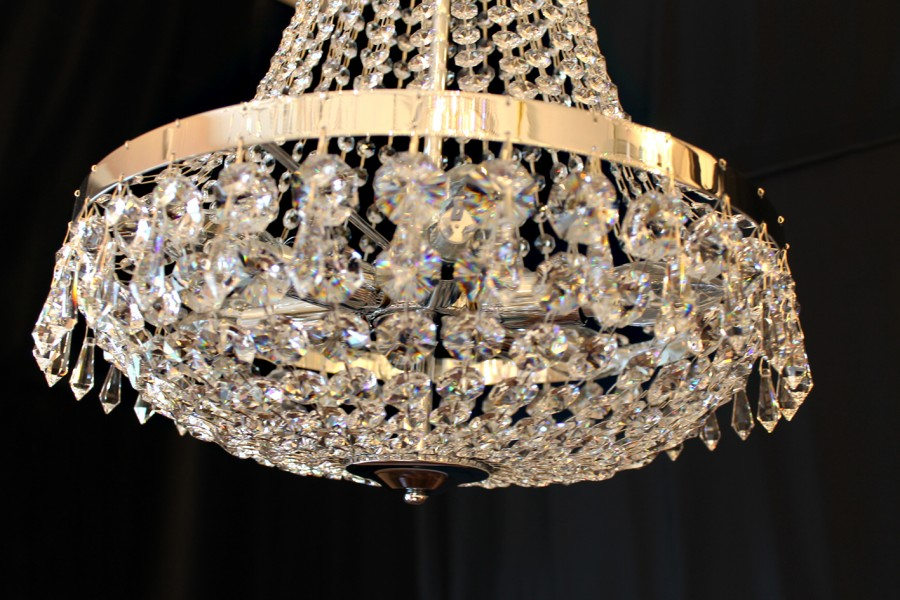 lustre montgolfi re en cristal spectra swarovski 40 cm rivergaro. Black Bedroom Furniture Sets. Home Design Ideas