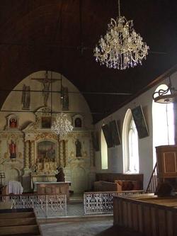 Lustre-cristal-église