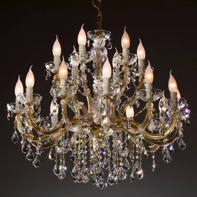 lustre en cristal swarovski 18 feux stignano. Black Bedroom Furniture Sets. Home Design Ideas