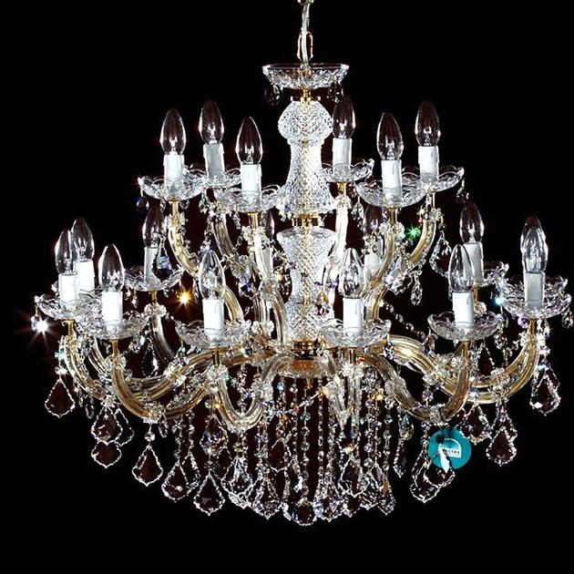 lustre en cristal spectra swarovski 18 feux plein or traviata. Black Bedroom Furniture Sets. Home Design Ideas