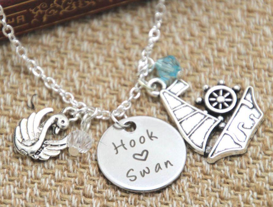 Collier Once Upon A Time pendentif Crochet et Emma OUAT Collier Hook et Swan