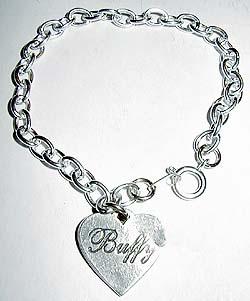 bracelet-buffy-contre-les-vampires-coeur