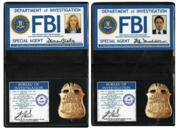 X-Files Lot Badges FBI Mulder et Scully