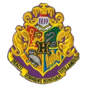 Blason de l\'école de Poudlard comme vu dans Harry Potter