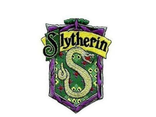 Blason de l\'école de Serpentard vu dans Harry Potter
