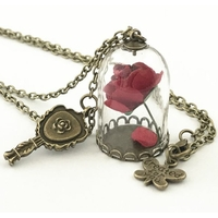 Collier La belle et la bête pendentif rose sous globe Cadeau de Noël