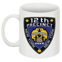 Tasse de la police de New York 12th precinct comme vu dans la série Castle
