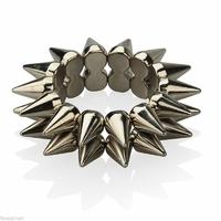 Bracelet gothique d'Abby vu dans NCIS