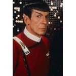 star-trek-spock-avec-insigne-capitaine