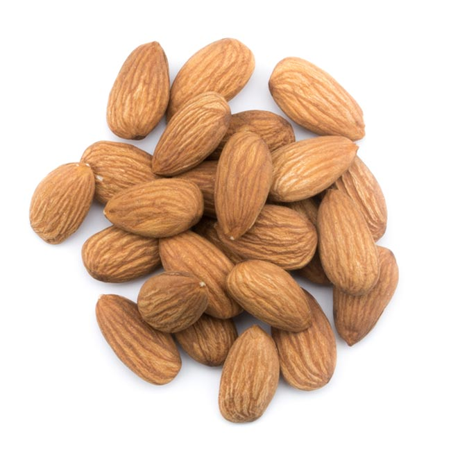 amandes-douces-entieres-decortiquees-natures