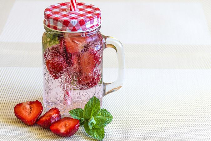 les-infusions-carcadet-eaux-de-fruits-en-boisson-fraiche-pour-enfants