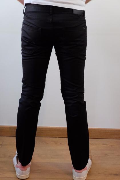 0747d8bd1 Pantalon noir Zara - Taille 40