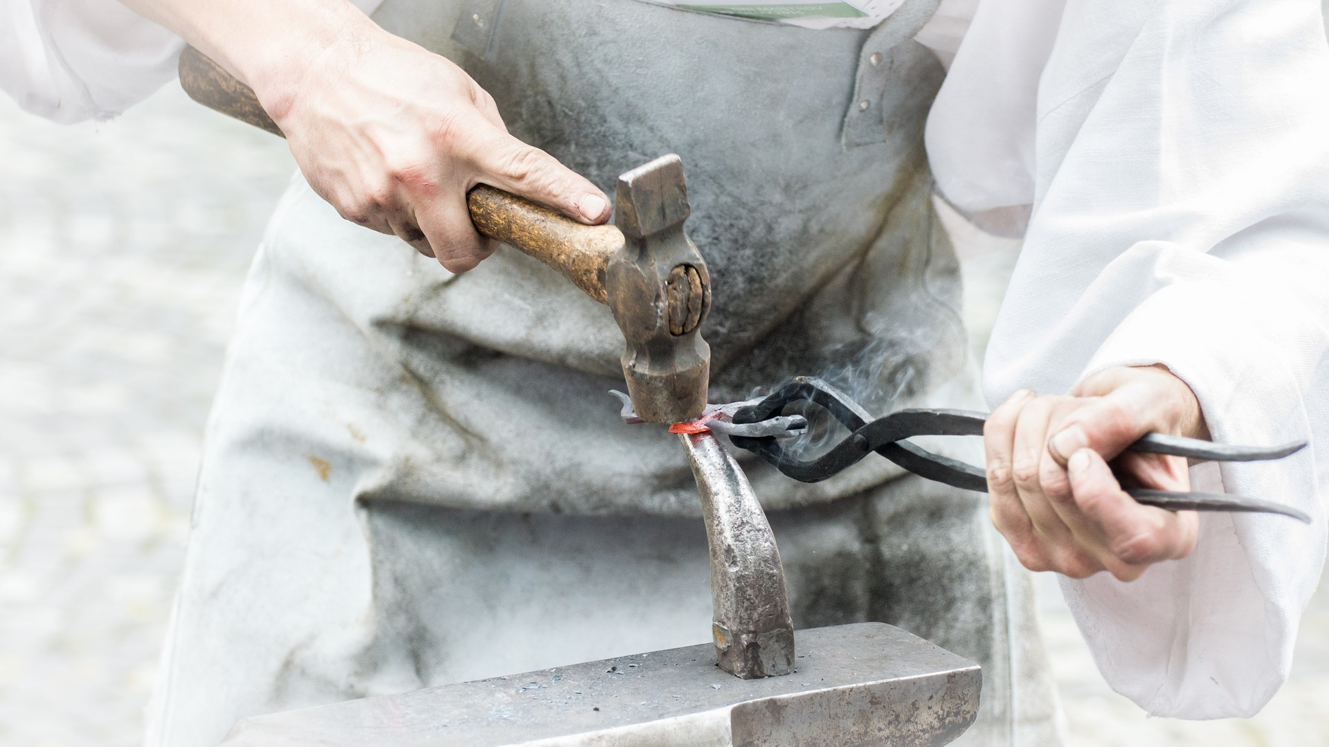 Devenir ferronnier d\'art: la formation pour tester le métier ferronnier d\'art.