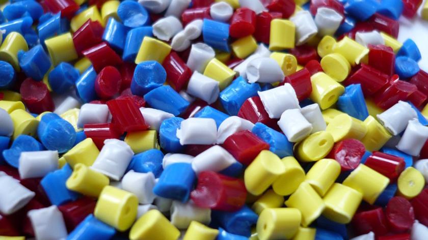 Devenir plasturgiste: la formation pour tester le métier plasturgiste.