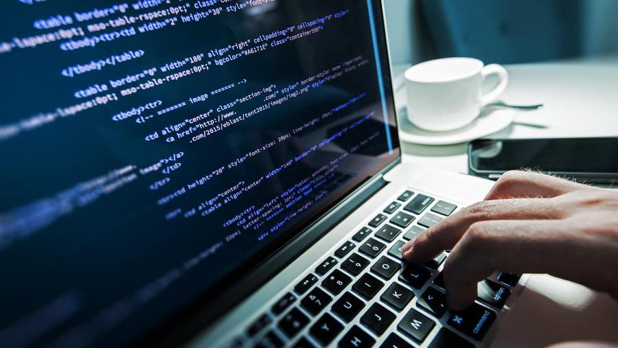Devenir développeur web: la formation pour tester le métier développeur web.