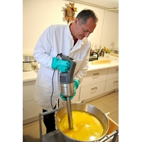 Fabrication de savons et cosmétiques bio.