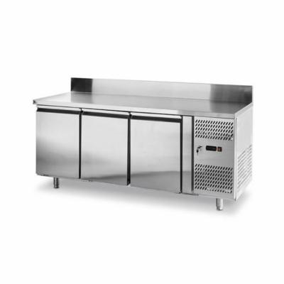 Réfrigérateur comptoir avec trois portes Profi Line 1795x700x(H)850