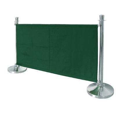 Barrière en toile verte. Poteaux vendue à part