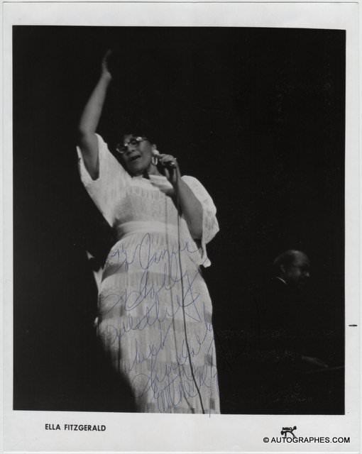 Ella FITZGERALD - Photographie grand format dédicacée et signée (Pablo records)