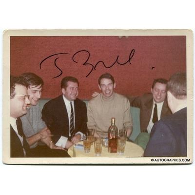 Jacques BREL - Signature autographe sur une photographie amateur