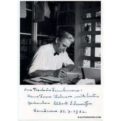 Albert SCHWEITZER - Carte photographique autographe signée (Lambaréné - 1962)