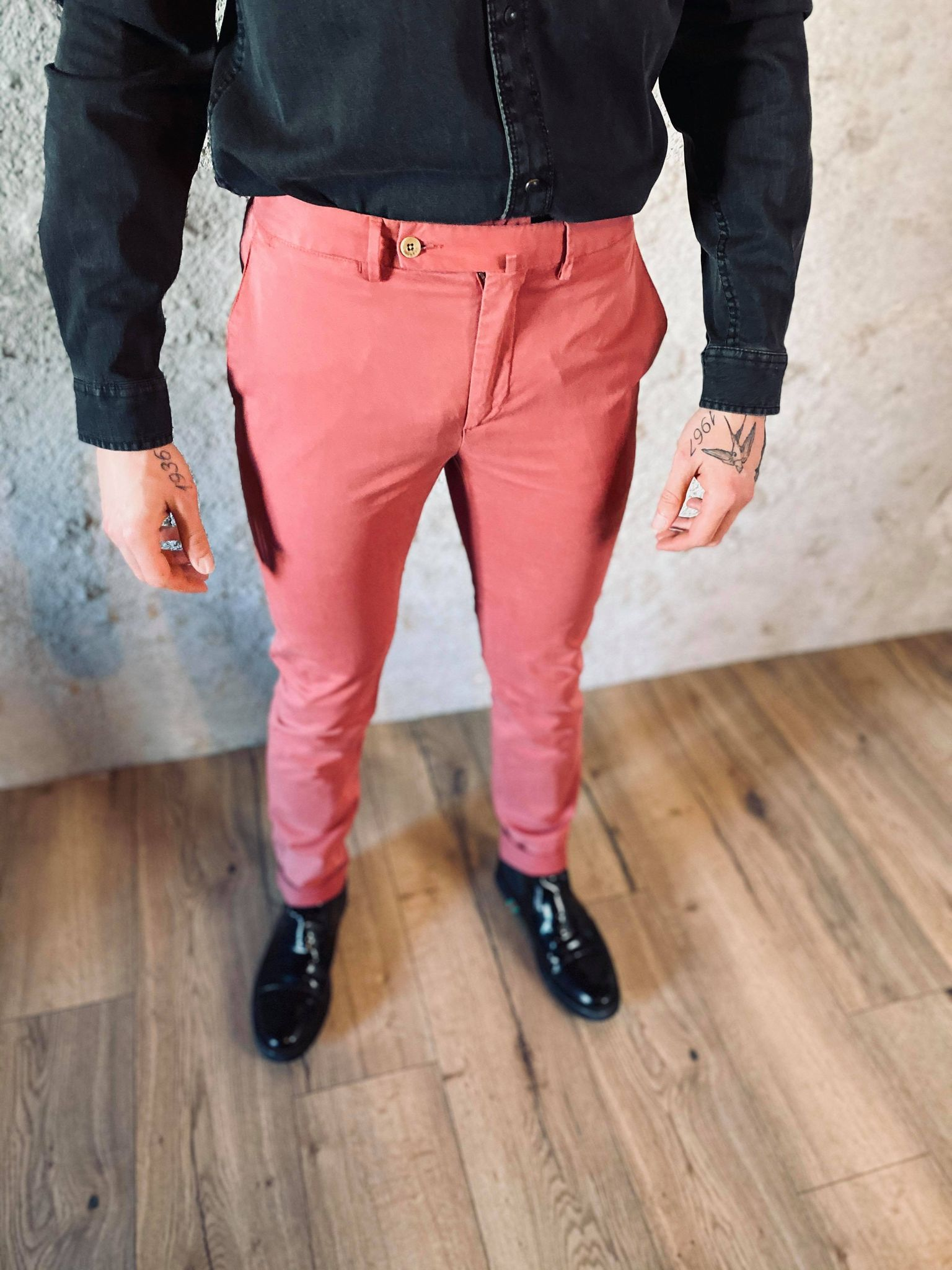 KENSINGTON CHINO berry 2