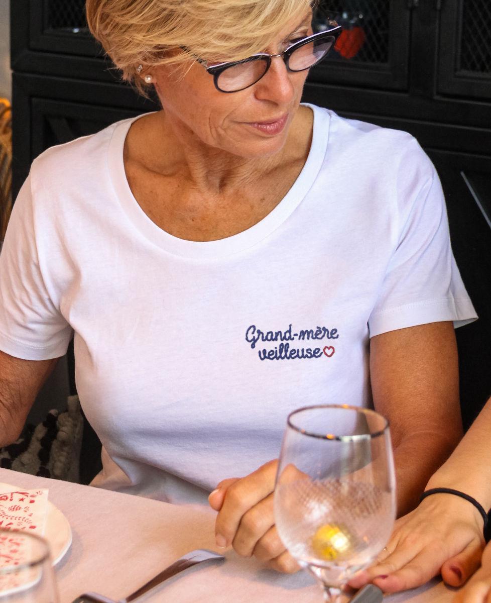 t-shirt-femme-grand-mere-veilleuse-brode
