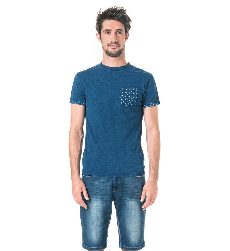 Tee-shirt uni poche et revers de manche imprimé
