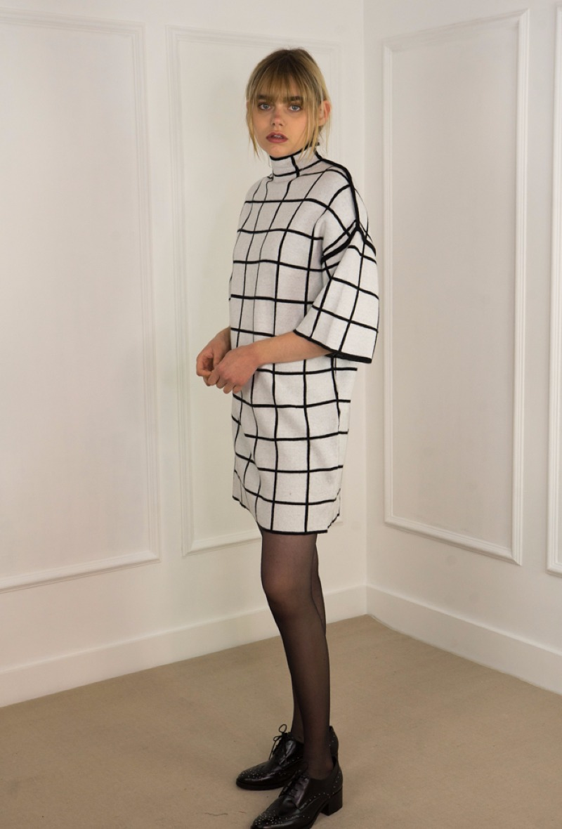 sweewe-robe-motif-carreaux-chequered-1
