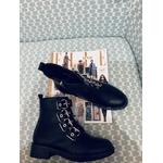 Boots noires à lanières 4