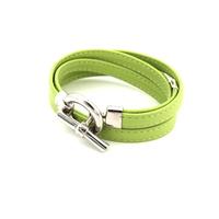 Bijoux cuir : Bracelet en cuir vert pistache et argent 527B004VP