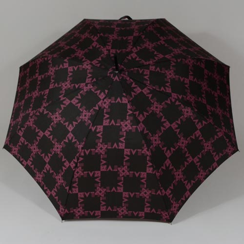 Parapluie glamour signé Pierre Cardin