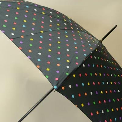 Parapluie noir à pois colorés