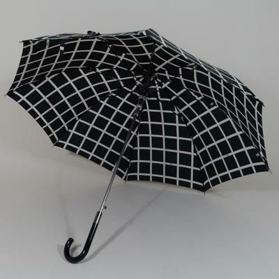 Parapluie noir à carreaux