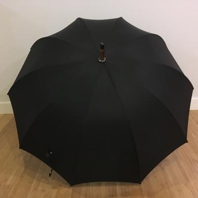 Parapluie de luxe en châtaignier