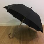 parapluie en chataignier de profil